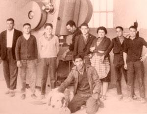 Antigua plantilla de empleados de la fábrica de envases metálicos